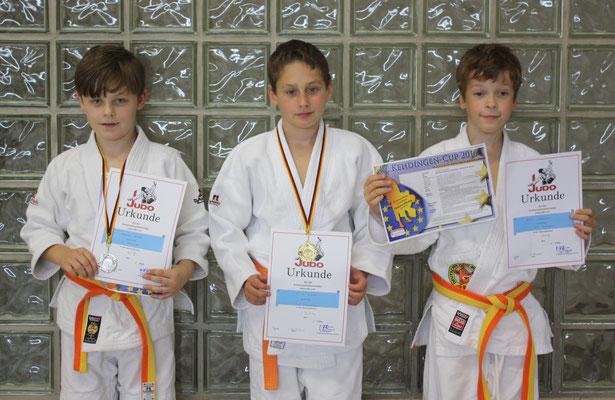 Die erfolgreichen Jungen U12 von li. Andreas Hinkel, Erik Gardt und Arwin Neumann.