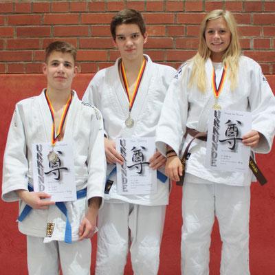 von li. Johannes Koschel, Tom Böhling, Chiara-Sue Pätzold