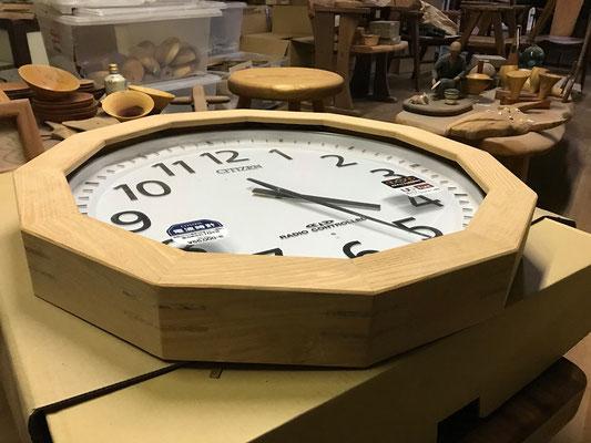 時計のカバーを正12角形で制作。