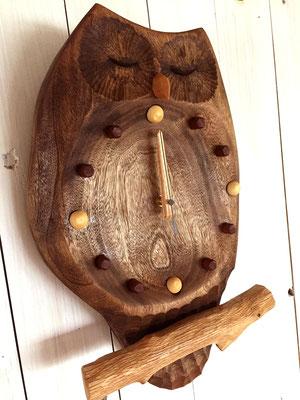 ふくろうの掛け時計 瞑想