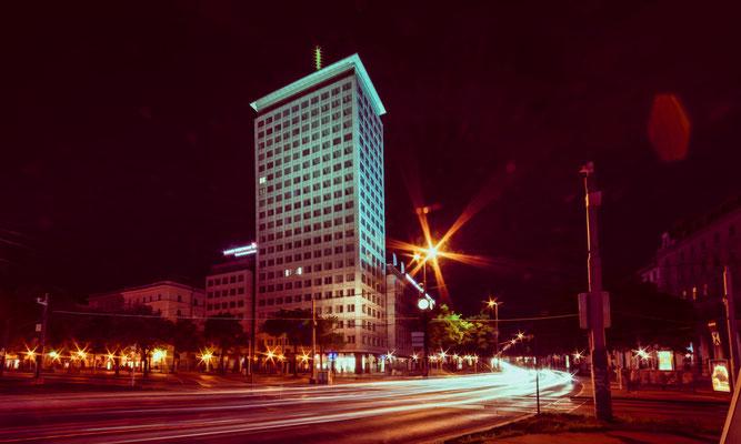 Ringturm bei Nacht