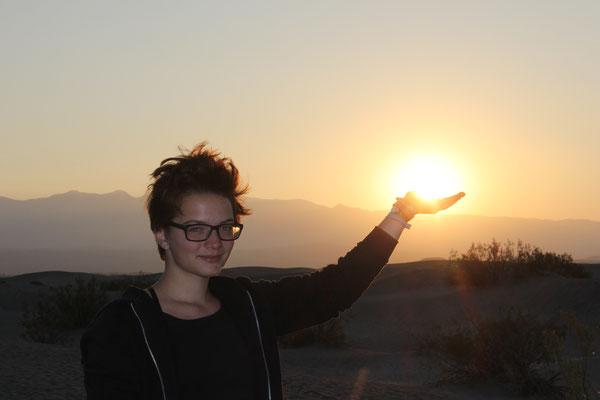 Wenn die Sonne nicht aufgehen will, muss man sie halt anheben