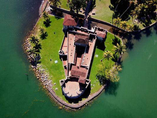 """Festung """"Castillo San Felipe"""" - die Spanier wollten im 17. Jhd. ihre Flotte ungestört im Lago Izabaol be- und entladen können"""