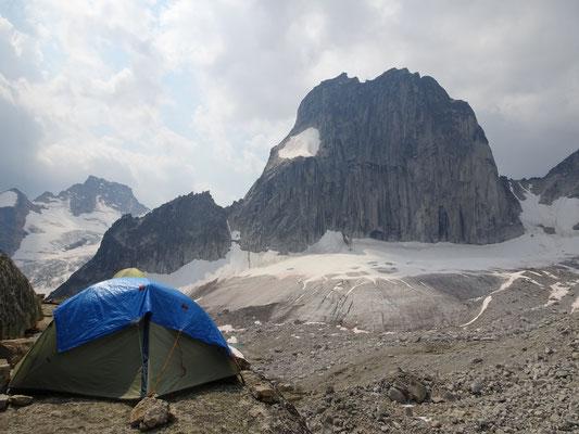 Zelten über dem Gletscher