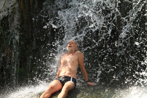 Wasserfall zwischen Cienfuegos und Trinidad