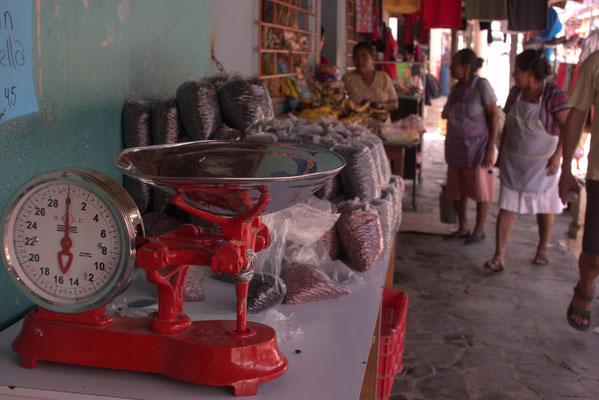 Marktstand in  Ataco