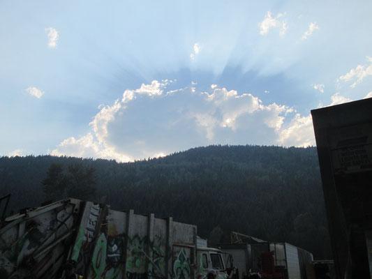 Auch Müllfahrer genießen Landschaft und Himmel