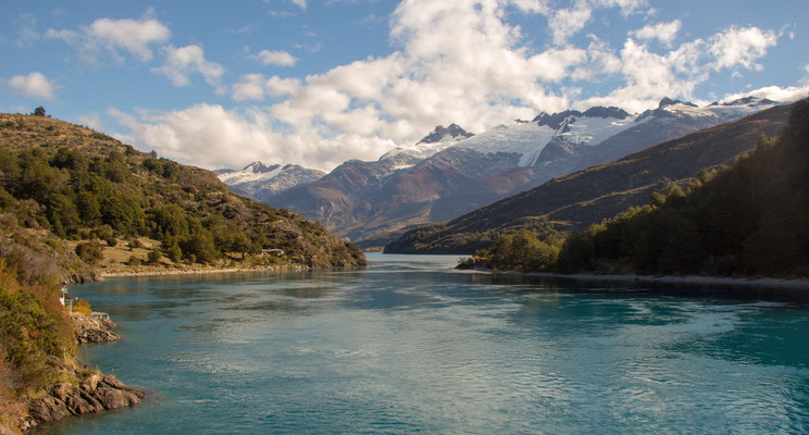 Blick vom Lago Buenos Aires nach Westen