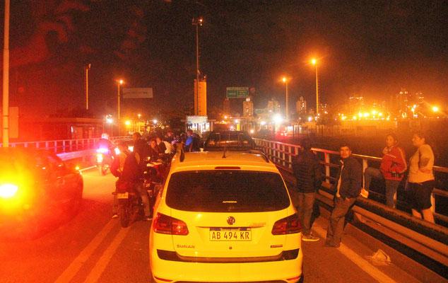 3 Stunden Wartezeit auf der Grenzbrücke bei Posadas nach Argentinien