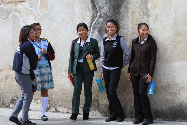 Die Mädels von der Schulhof-Gang