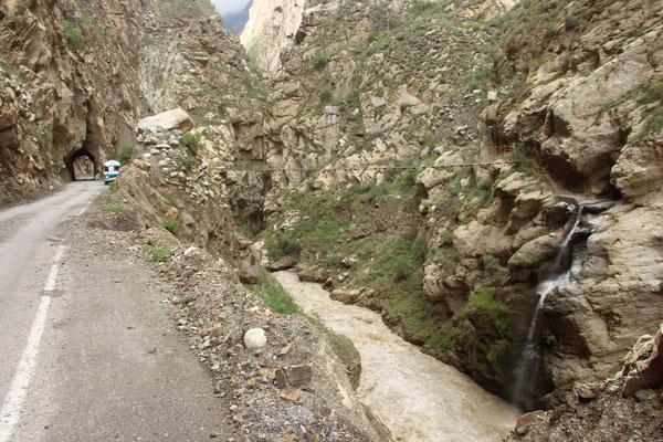 """Tunnel, tiefe Abhänge und ein reißender Fluss - der """"Entencanyon"""""""