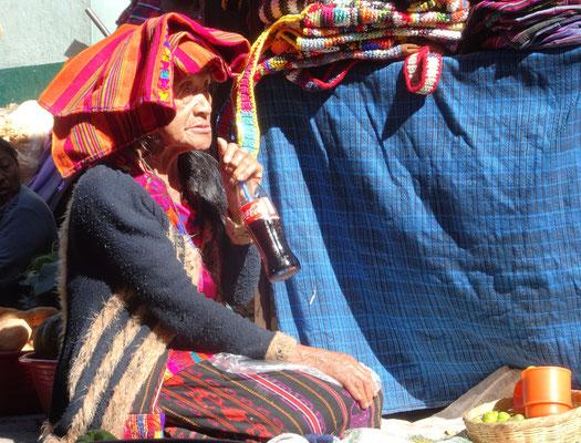 Mein Lieblingsbild aus Chichi: Die alte Frau mit der Colaflasche