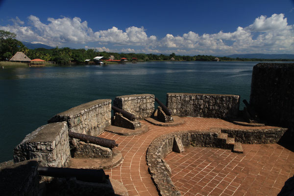 Wer hier die Festung hält, beherrscht den See