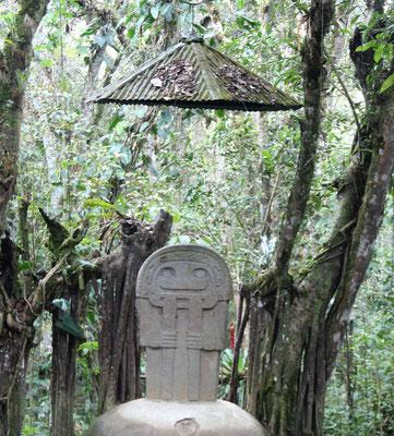 Steintafel mit Außerirdischen in San Agustin