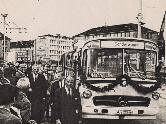 (C) Stadtarchiv
