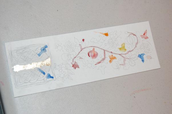 Réalisation d'un marque-pages enluminé en stage de découverte de l'enluminure chez SC-enluminure