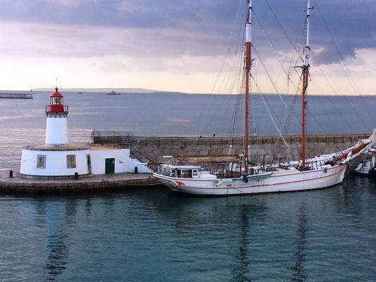 Ibiza Hafen mit Mole