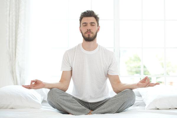 stress, meditation, relax, calm, restless, tension, mindfulness, english, expats, mbsr, sitting meditation, man, male