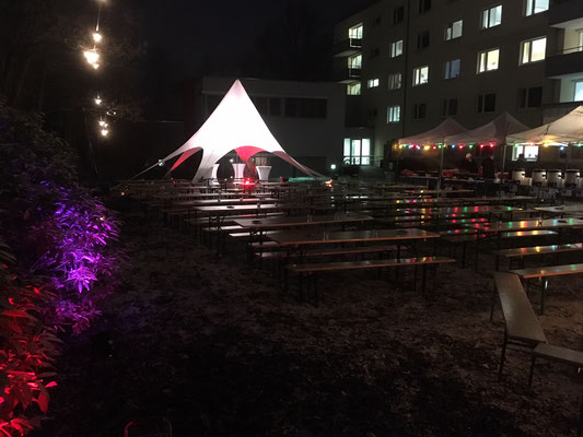 Sternzeit mit Bierbankgarnituren Weihnachtsfeier