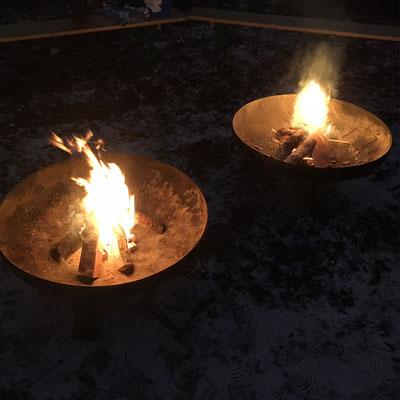 Feuerstelle auf Firmenfeier