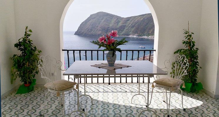 Terrazzo A / A Terrace