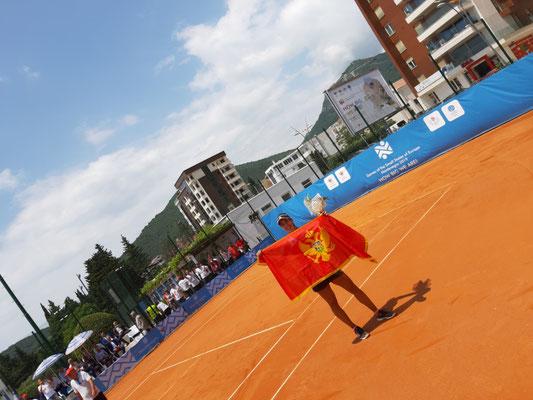 Gold im Tennis der Damen für Vladica Babic aus Montenegro
