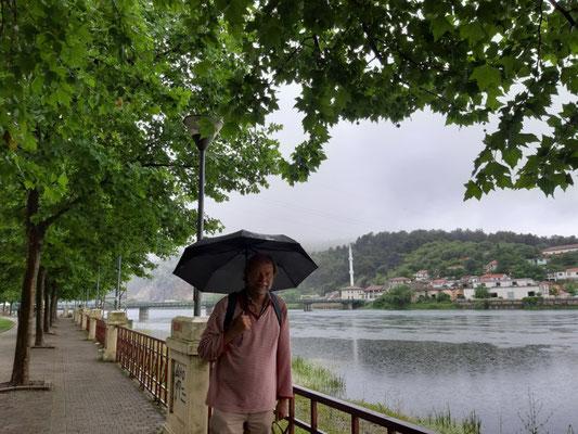 Geburtstag im Regen in Shkodra
