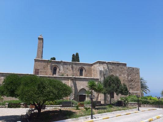 Die Abtei von  Bellapaix (Beylerbeyi)