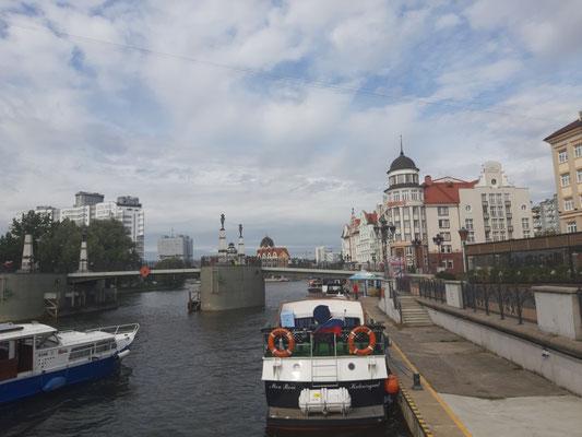 Blick über den Pregel zur Kaiserbrücke, Kaliningrad