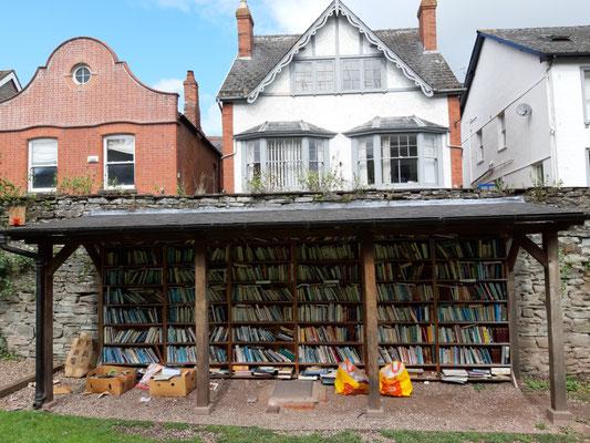 Bücher im Honesty Bookshop