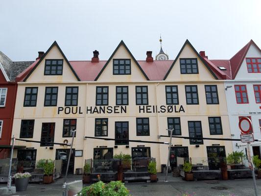 An der Hafenpromenade in Torshavn