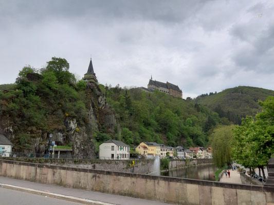 Blick hoch zum Schloss