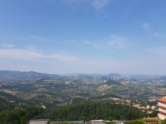 Blick von Domagnano zur Adria