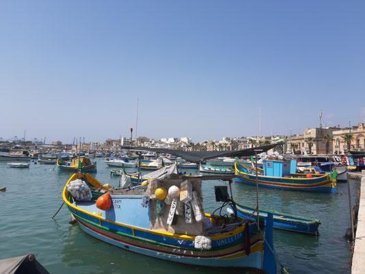 Am Hafen von Marsaxlokk
