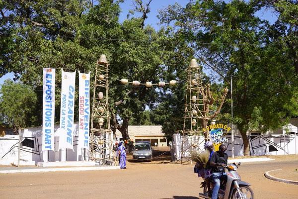 Eingang zum Festival-Gelände