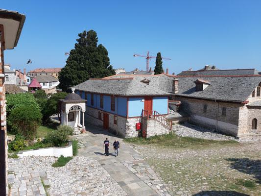 Im Kloster Megistes Lavras