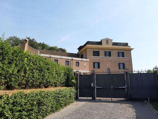 Hier wohnt Papst Benedikt XVI.