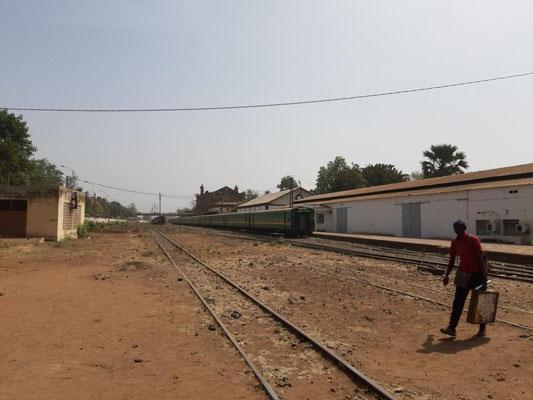 Gleise am Bahnhof Bamako