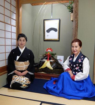 水谷雅由と韓国茶道家元、李瑛子先生。
