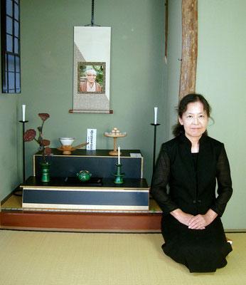 祭壇と川上栄子