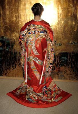 主宰 水谷雅由 姉の打ち掛け 相良刺繍と日本刺繍