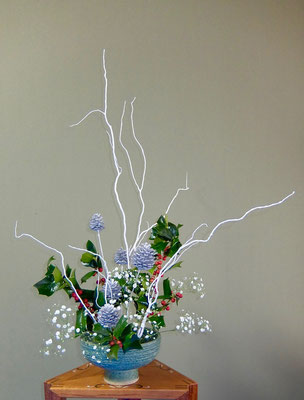 川上雅櫻 白塗り 柊 かすみ草 松ぼっくり