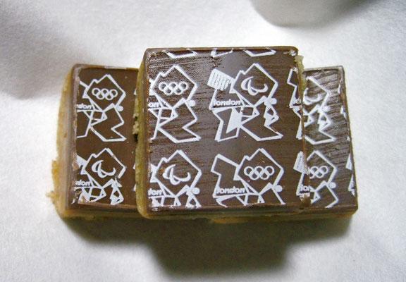 ロンドン支部向出氏よりオリンピック菓子