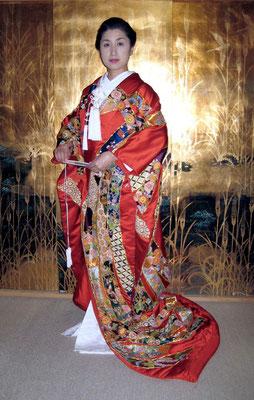 姉の打ち掛け 相良刺繍と日本刺繍