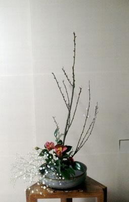河本珠実 椿 桃 カスミソウ