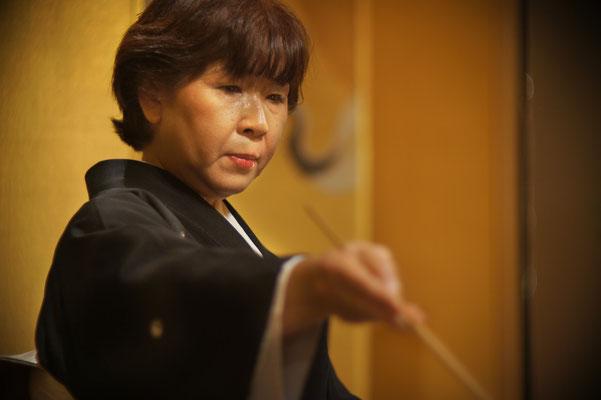 2013年京王プラザーホテル初釜 雨宮アップ(大野 暁撮影)