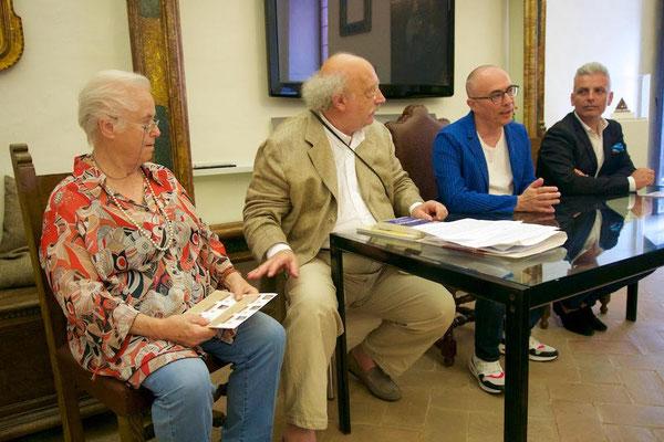 Giovanna Rotondi Terminiello, Salvatore Giannella, Roberto Malini e il sindaco di Sassocorvaro Daniele Grossi