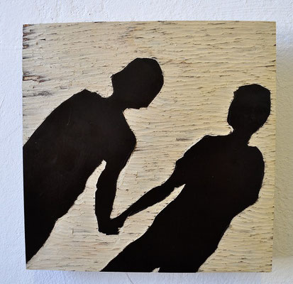 """Maruska Mazza, """"Two friends"""", carving on the wood, 20x20 cm"""