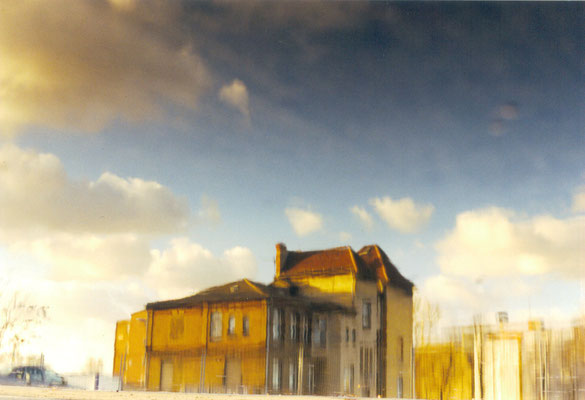 "Maruska Mazza, "" es war ein Mal Ostkreuz"", 2002, analogic photography, series of reflections"
