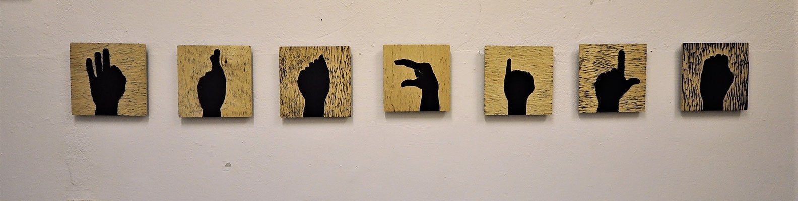 "Work on Wood, International language: "" FRAGILE"", 7 wooden boards, 20x20x0,5 cm"